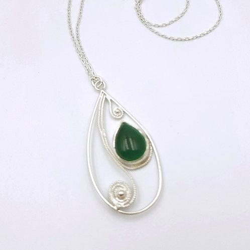1000 Ayar Gümüş  Yeşil Akik Doğal Taşlı Özel Tasarım Damla Telkari Kolye