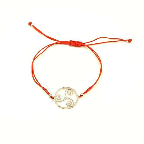 925 Ayar Gümüş Üçlü Sarmal Triseklion Figürlü Kırmızı Makrome Bileklik
