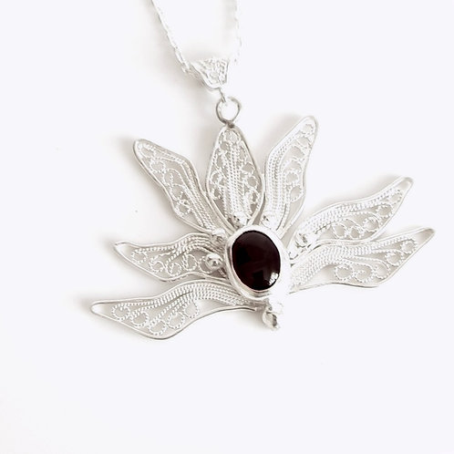 1000 Ayar Gümüş Lotus Çiçeği Özel Tasarım Telkari Kolye