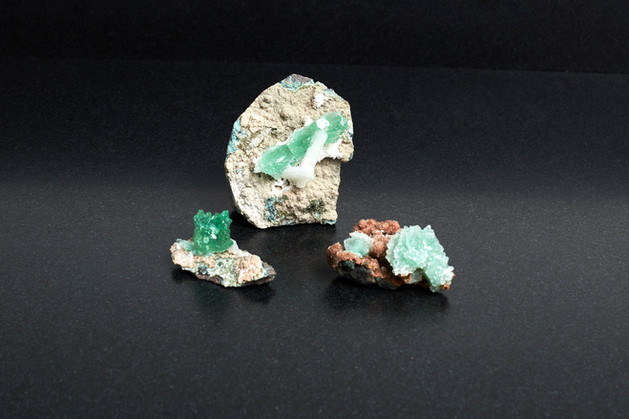 Green Apophyllite collection. (£222. 290g total weight)