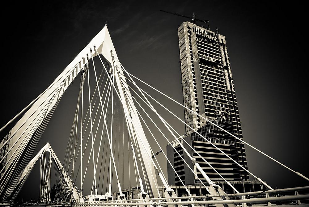 Tenso estructura - puente atirantado