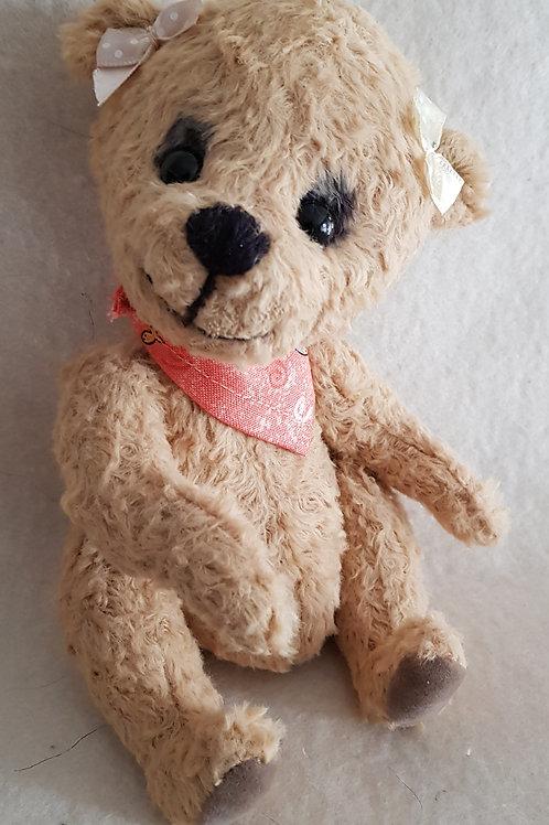 Knuffiger Künstlerbär *Tessie*, 18 cm