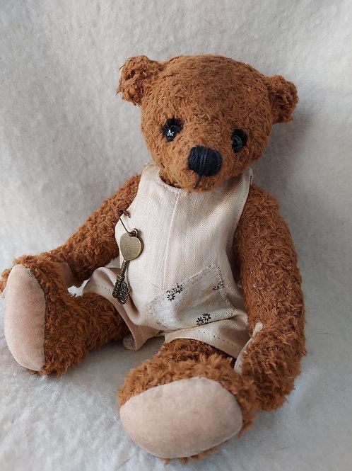 kleiner Künstlerbär *Armanjac*, 19 cm