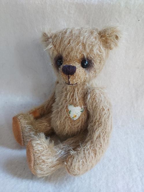 Künstlerbär *Chrissie*, 20 cm - Bär mit Herz