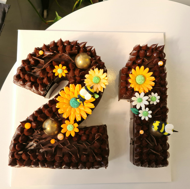 Bumblebee Number cake