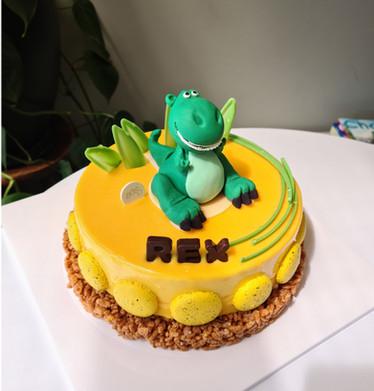 Mango Mousse with Dinosaur