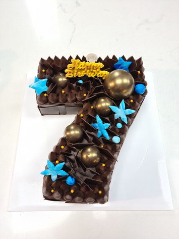 Number 7 cake
