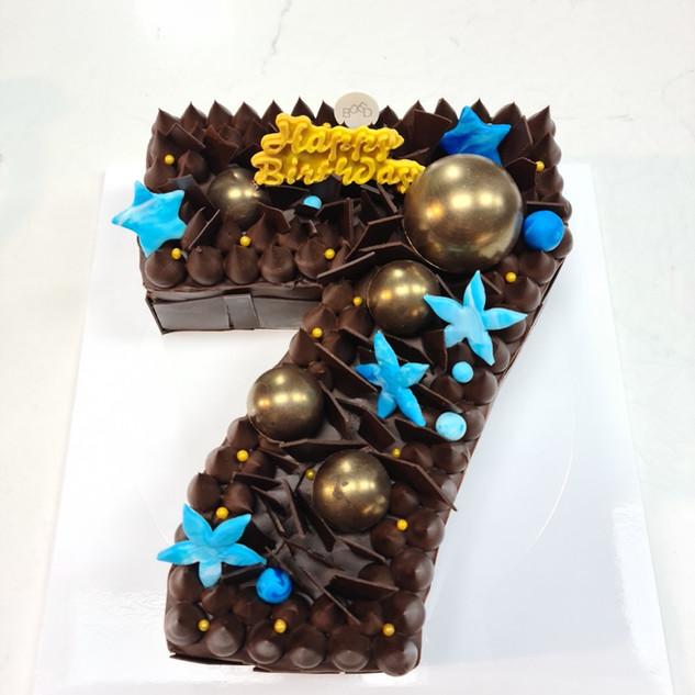 Number 7 cake