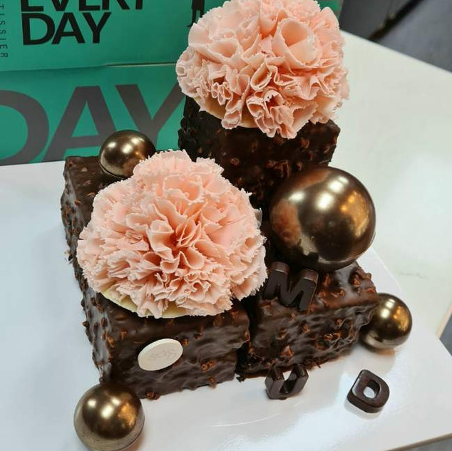 Mud Cube with flowers
