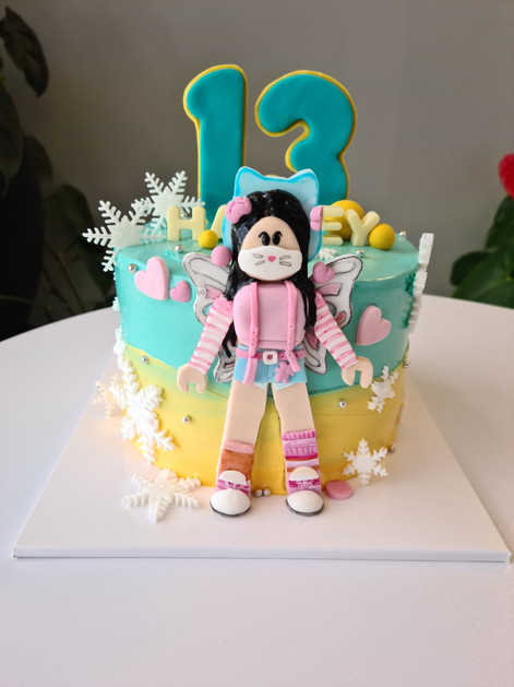 Roblox character cake