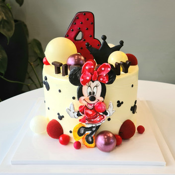 Minnie Mouse custom cake