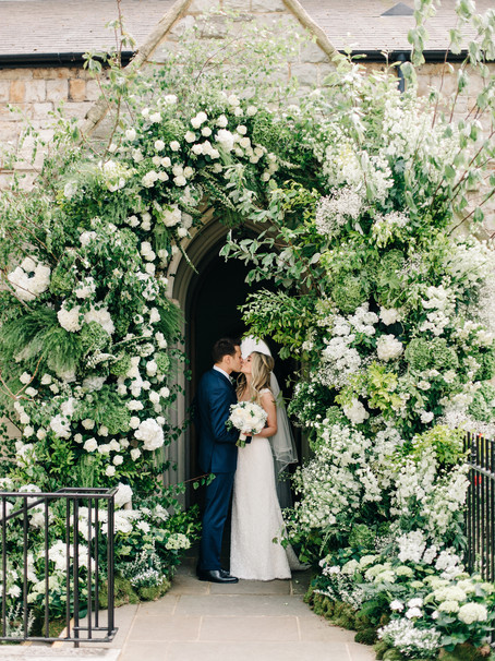 MAKE YOUR WEDDING FLOWERS MEANINGFUL