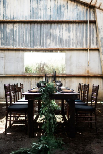 wedding table with black