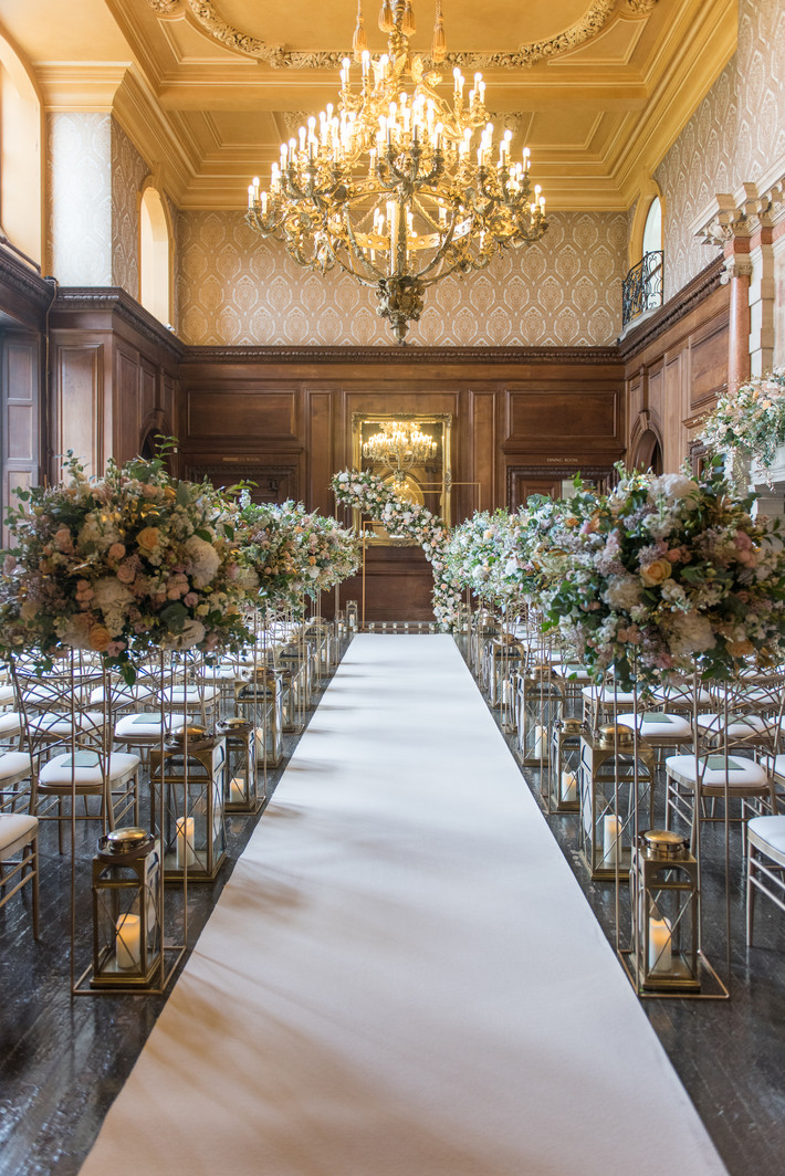 CLASSIC ELEGANCE, G&B'S LUXURY PALACE WEDDING
