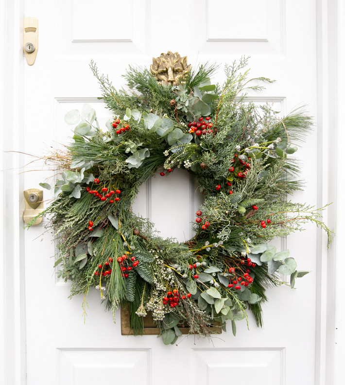 Bring Magic to your Home with our Christmas Wreaths & Florals Delivered