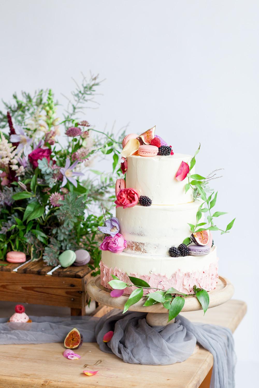 Fruit and macaroon cake