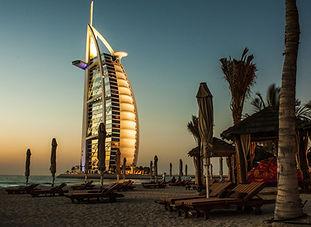 Foto de Dubai Burj Al Arab de Noche.jpg