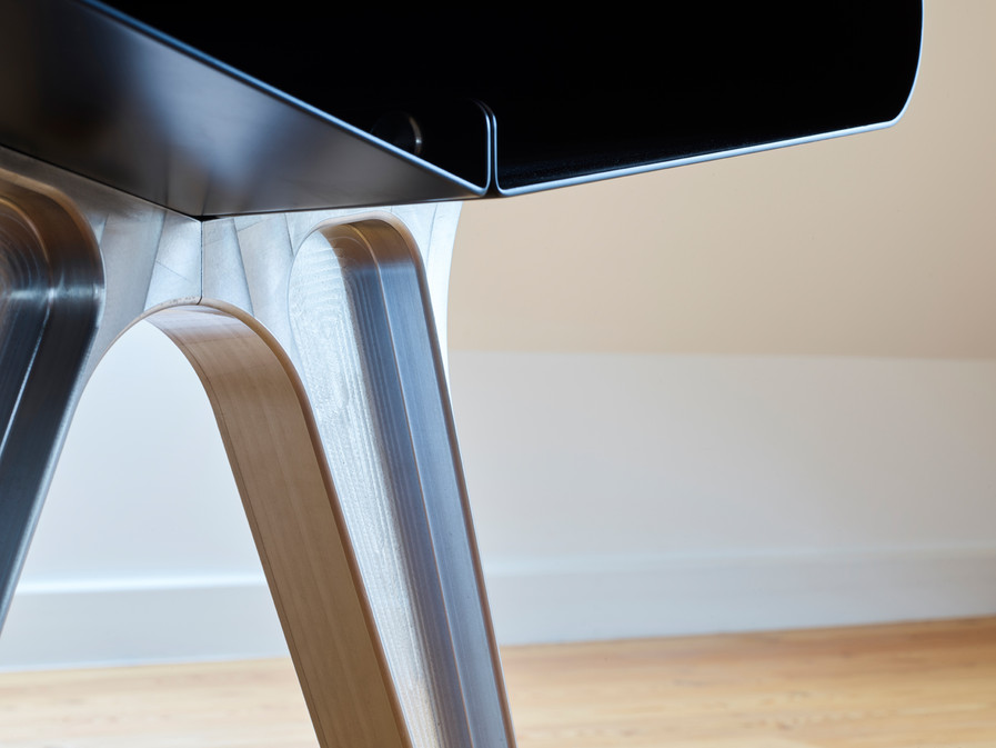 Rogier VAncamelbecke - Lift Off Table