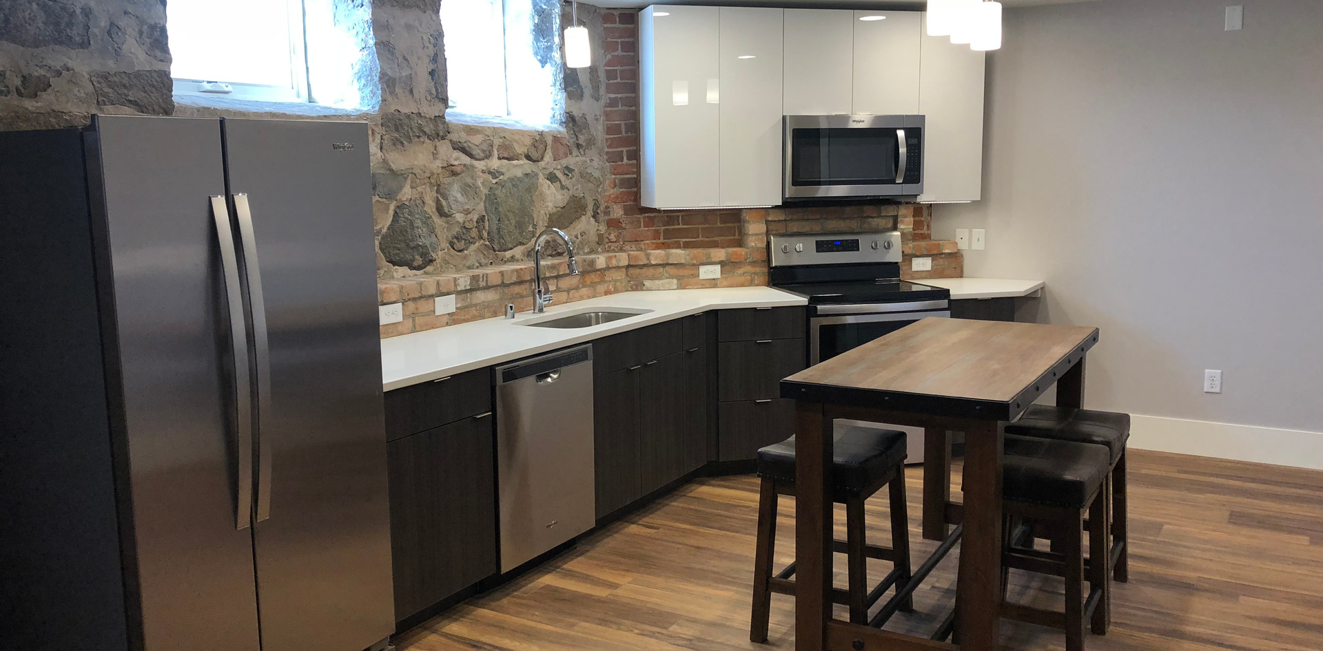 Redstone Lofts 100 Kitchen.JPG