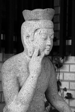 弥勒仏 石像