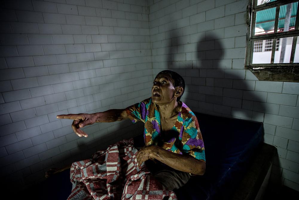 Margarita Silva, pacjentka ze schizofrenią w izolatce. Meridith Kohut dla The New York Times
