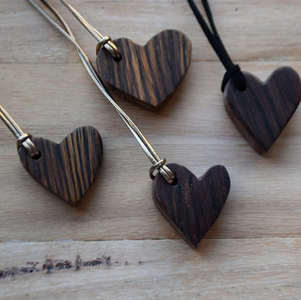 186 Timber heart necklaces