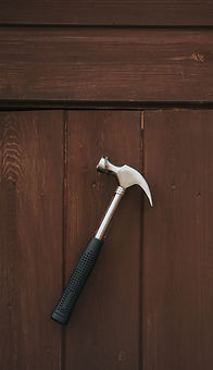 carpentry-hammer-handle-1166385_edited.j