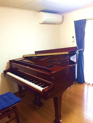 藤が丘ピアノ教室レッスン室1