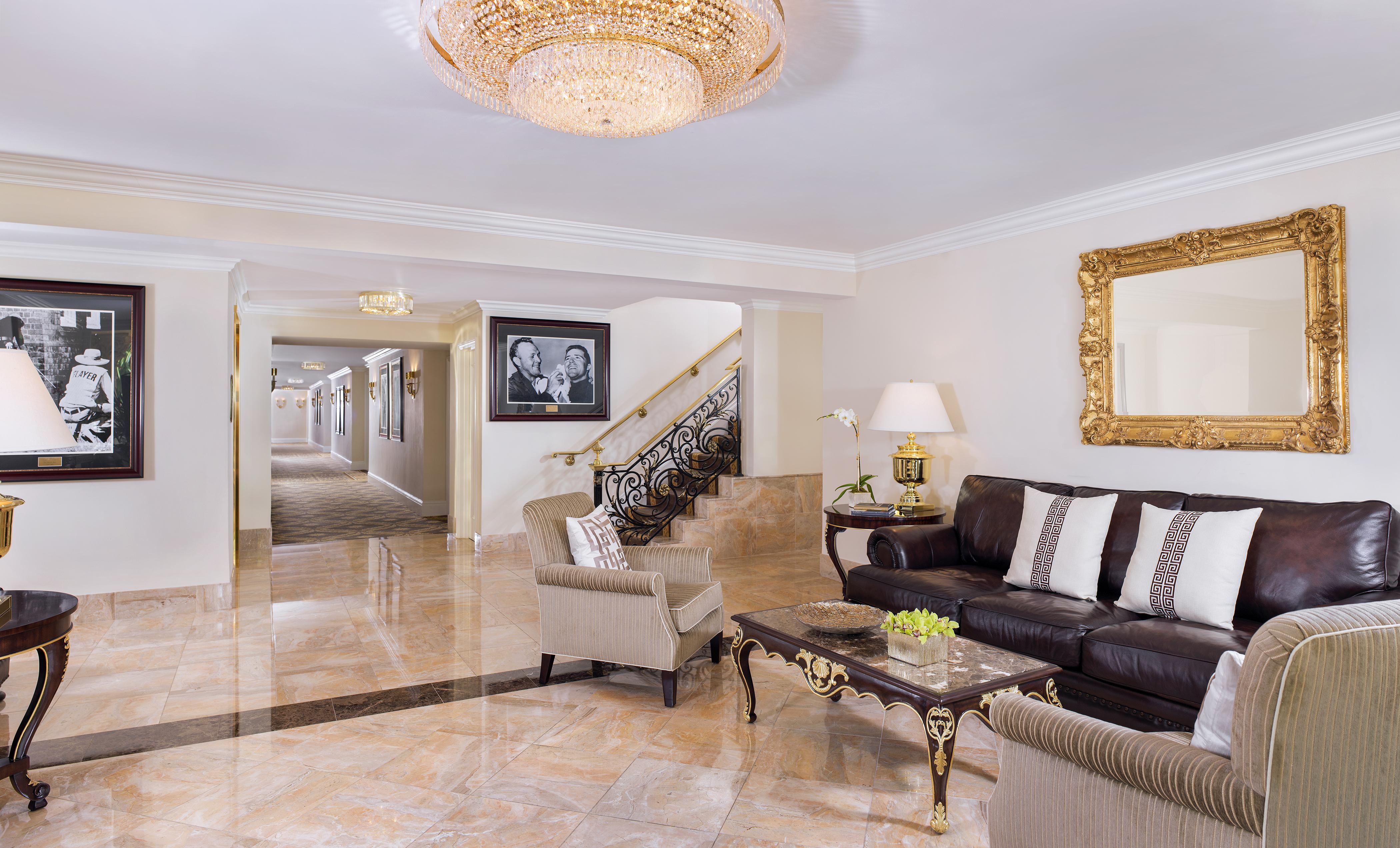Villa Foyer