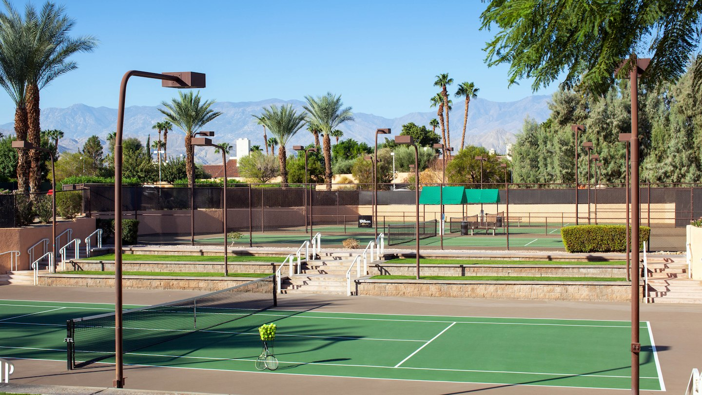 pspwi-tennis-courts-8201-hor-wide