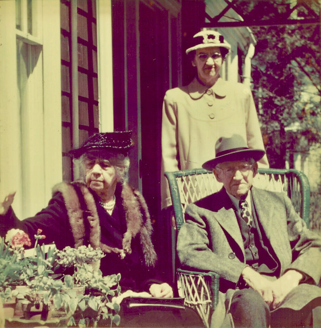 Clarence, Julia & Ruth Blakeslee (early
