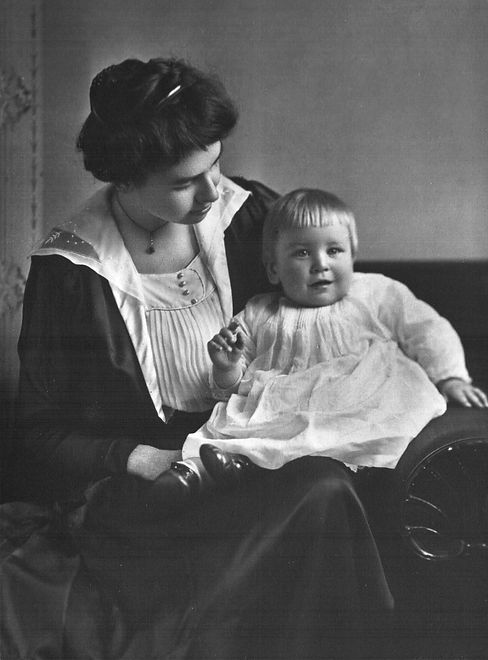 Julia Blakeslee Reigeluth with son John.