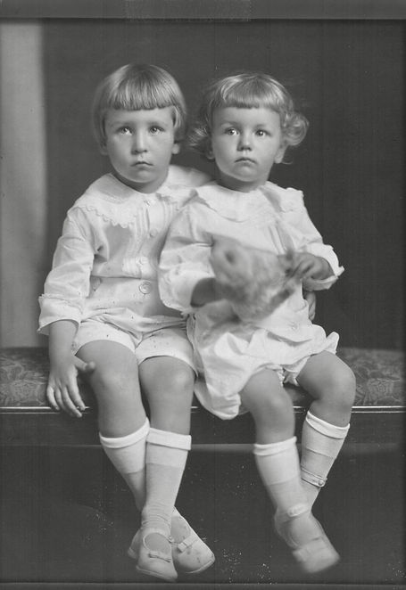 John & Robert Reigeluth (about 5 and 3).