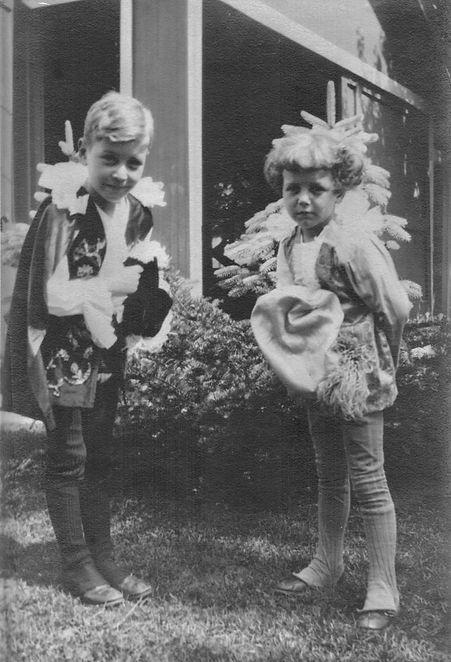 John & Robert Reigeluth in costumes (abo