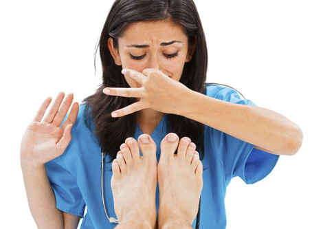 10 Tips on How to Get Rid of Smelly Feet (Bromhidrosis)