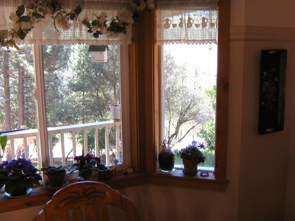 Cottage bay window