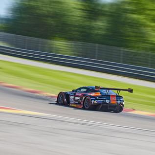 Aston Martin GT3 in Eau Rouge