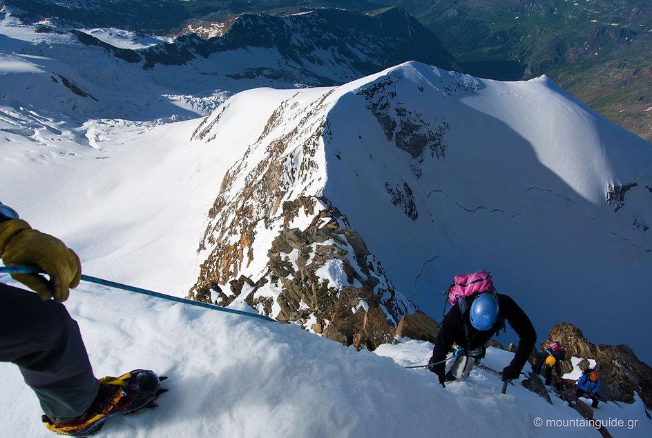 Nikos_Hadjis_Alpinism_4000m_03.jpg
