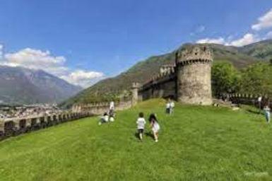 Castelgrande Bellinzona 2.jpeg