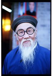 Analog_Tobias Ulbrich_En Route_China_Bejing_Portrait_White Beard and Glasses