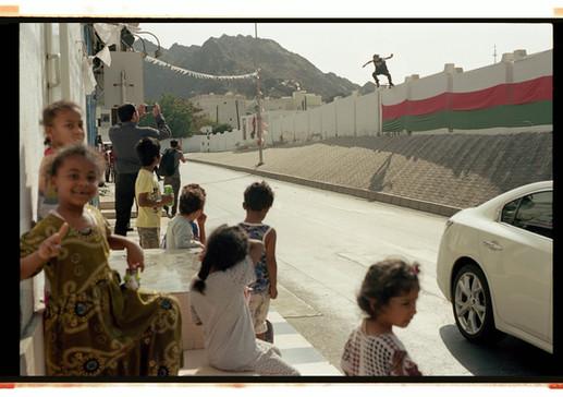 Analog_Tobias_Ulbrich_En Route_Oman_Muscat_Firas Bomb drop