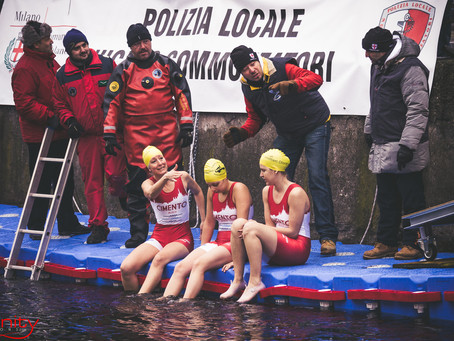 Cimento Invernale 2014: 90-dived into the icy waters in the Naviglio Grande.