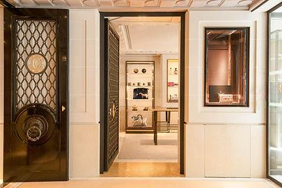 """""""Le Cabinet de Curiosités de l'Hôtel de Crillon by Thomas Erber"""""""
