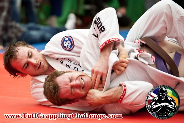Mick Hall applying the collar choke
