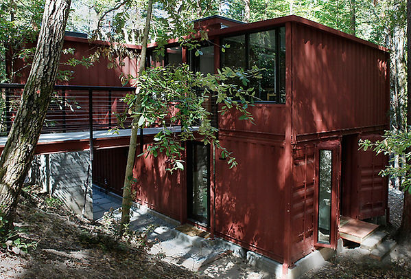 Six-Oaks-shipping-container-residence.jp