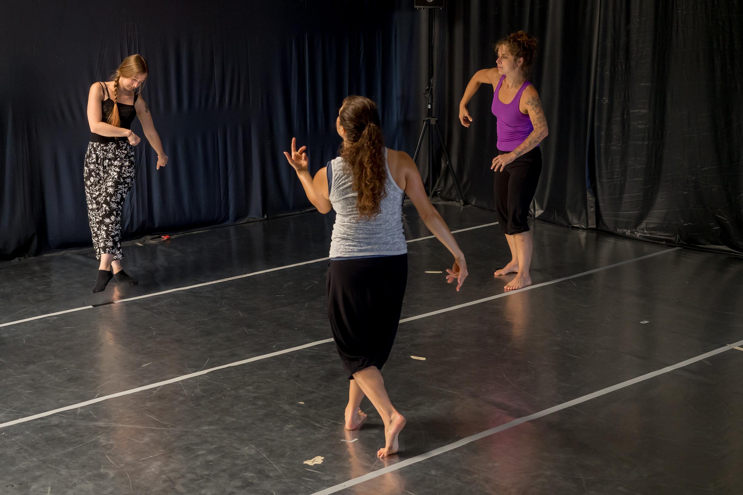 Tanzimprovisation & Freies Tanzen