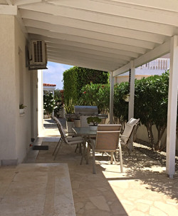 COVERED PERGOLA WITH BBQ