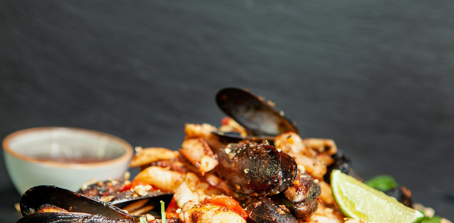 fine-cuisine-seafood-in-restaurant-ELR3H