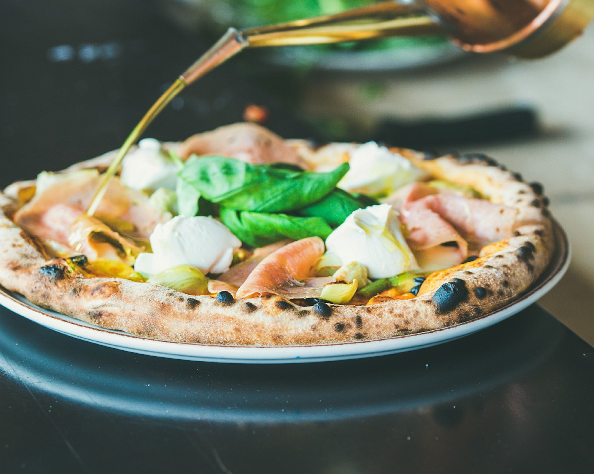 freshly-baked-italian-pizza-with-ham-art