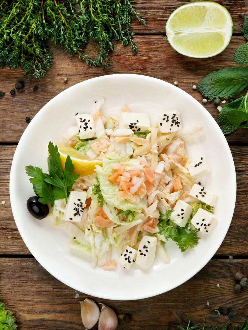 restaurant-healthy-food-salmon-and-feta-